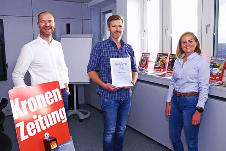 V.l.n.r.: Marcus Zinn (Sales Director EPAMEDIA), Roland Geissler (Head of Marketing Kronen Zeitung) und Katharina Kirchler (Account Manager EPAMEDIA). © EPAMEDIA